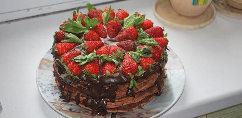 Торт с земляникой рецепт с фото пошагово в домашних условиях